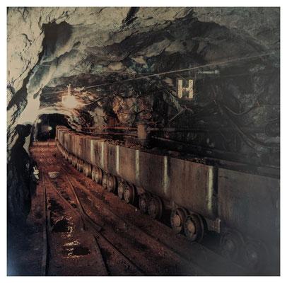 Grubenbahn auf der 100-Meter-Sohle (Quelle: Darstellung im Bergbaumuseum Grube Christiane)