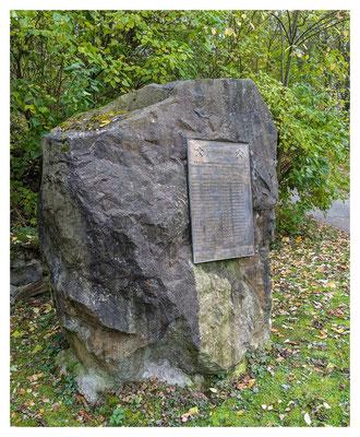 Gedenkstein am Mundloch des Carl-Ludwig-Erbstollen