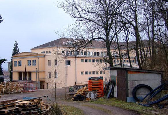 Verwaltungsgebäude des ehem. Bergbauunternehmens Permon / Bergbaubetrieb No. VIII (hier lag der Vilém-Schrägschacht).