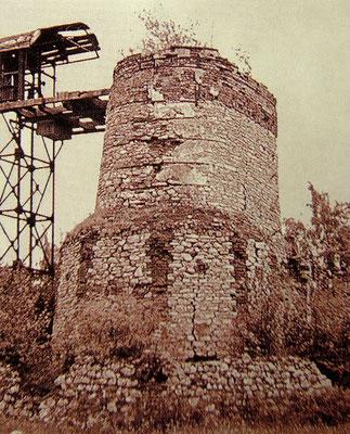 """Der """"Obere Ofen"""" wurde kurz nach seiner Außerbetriebnahme abgerissen. Dieses Bild zeigt den Zustand im Jahr 1965."""
