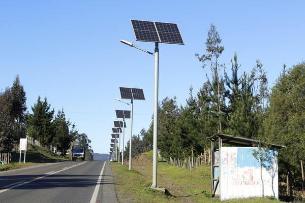 Solar Straßenlampen, Laternen, Steetlamps für Straßen, Wege, Parks mit Solarstrom Straßen und Wegbeleuchtung umweltfreundlich und zuverlässig erzeugt durch Solarmodule von Solara.