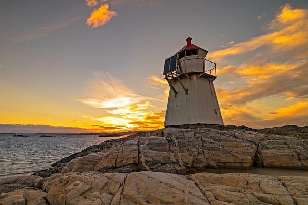 Leuchtürme, Lighthouses, lebenswichtige Orientierungssignale zuverlässig mit Solartechnik und Solarmodulen von Solara.