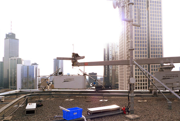 Making-of: Lighting-rig on a window cleaning platform
