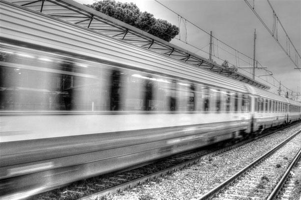 Treno in transito