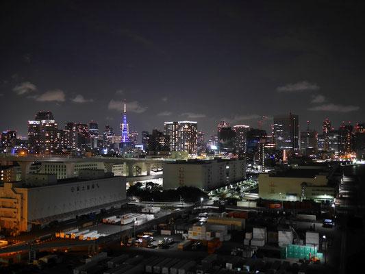 ノースルート側、芝浦アンカレイジを出てすぐのところから撮影しました。東京タワーのライトアップがきれいです。
