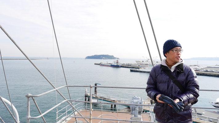 太田の左後ろ側にあるのが猿島です。戦時中の砲台跡が残されています。