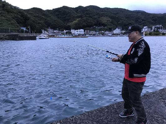 よーく見てください。釣れてるでしょ?