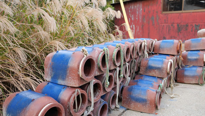 タコ壺です。以前ご紹介した日間賀島と距離が近いこともあり、佐久島でもタコ漁が行われています。