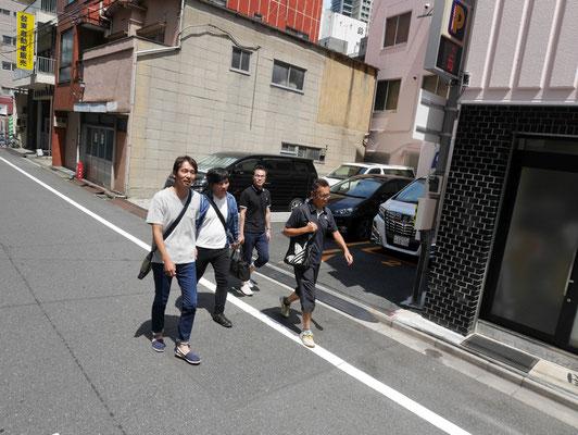 東京営業所一行。