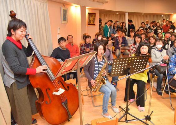 父母による演奏も行われました。