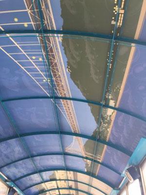 潮風号の天井。