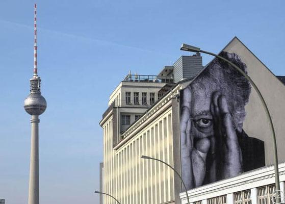 JR-street-art-photographie-sur-les-murs.jpg