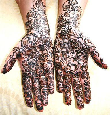 henné-peinture-corporelle-body-painting.jpg