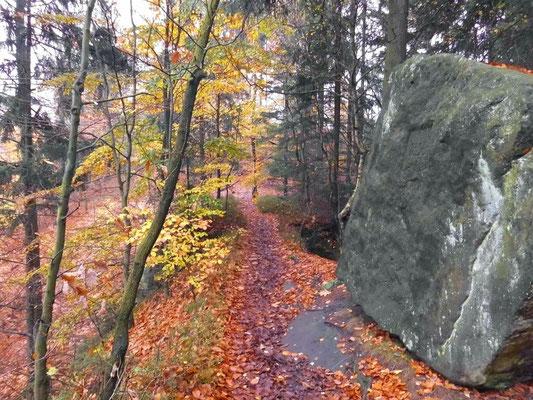 Rechts am Felsblock die Jahreszahl 1836