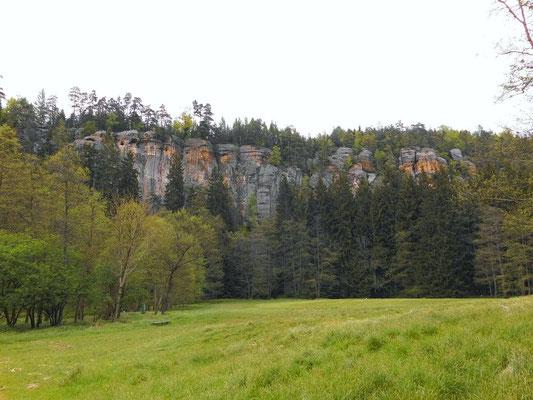 Hinterdittersbach, Blick zu den Rabensteinen