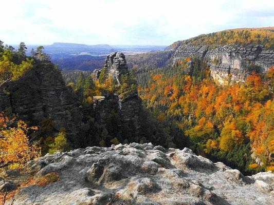 Von links: Edmundstein, Alte Wenzelwand, Langegrundwände
