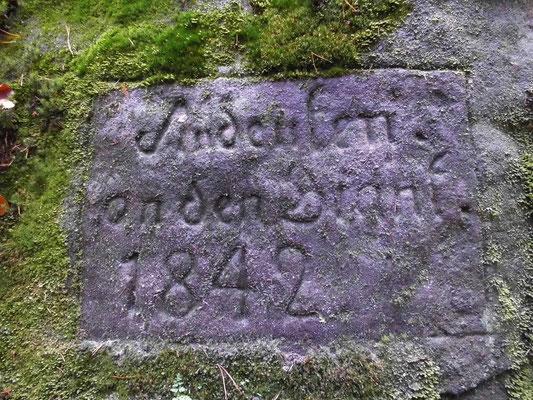 Inschrift zum Gedenken an den großen Waldbrand 1842