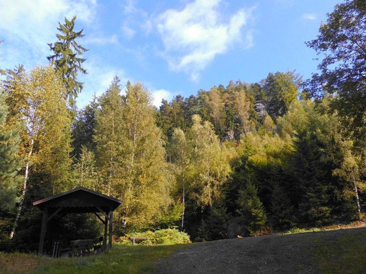 Wander-Rastplatz 300 Meter vor dem Natternborn