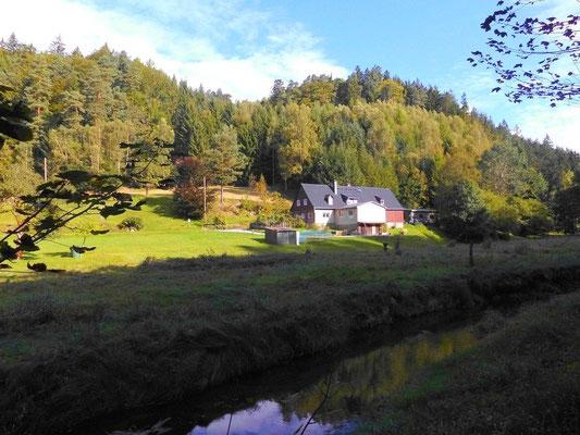 Haus gegenüber vom ehemaligen Hinterdaubitz, im Loch genannt