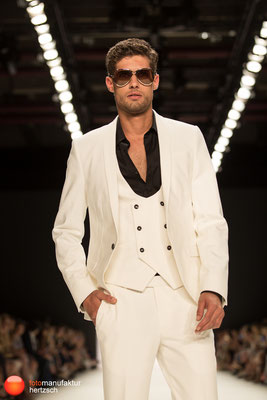 Mercedes Benz Fashionweek - Runway Shows - Dimitri