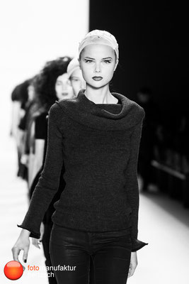Mercedes Benz Fashionweek - Backstage & Faces