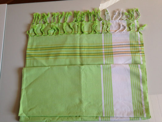 5. typical Ugandan scarf, 165 cm x 105 cm, light green with dark white borders, cotton, 30,-CHF