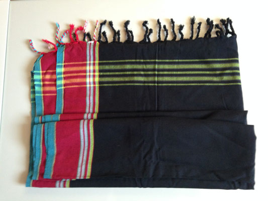 6. typical Ugandan scarf, 165 cm x 105 cm, black with red blue borders, cotton, 30,-CHF