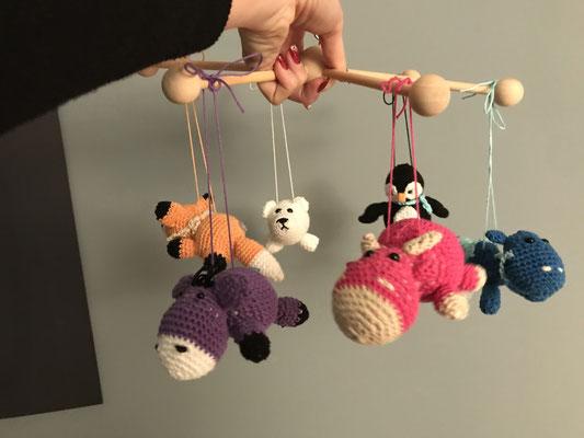 Auf Wunsch können wir Ihnen auch ein Mobile für Ihr Baby erstellen mit individuellen Tieren, Preis abhängig von Grösse