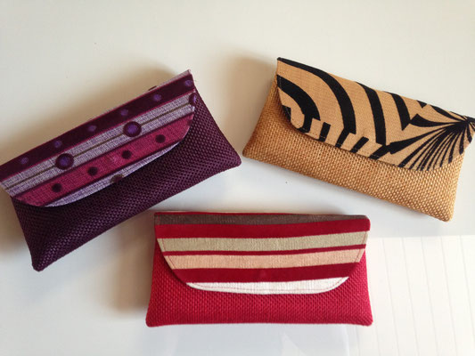 14. bags, 25 cm x 13 cm , purple, pile, red, each 30,- CHF