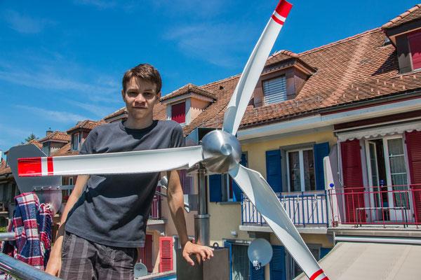 Faszination Windkraft - Selbstgebautes Windrad im städtischen Garten - Domiswindrad