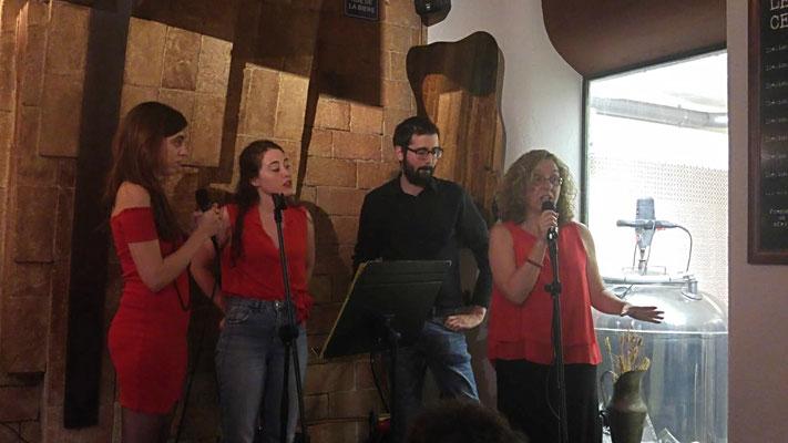 D'esquerra a dreta: Tanit Amorós, Enya Murphy, Carlos Abelló i Cristina Company