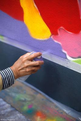 Atelier Graff avec Jordane Jone. Tous les jeudis, Jordane Jone, déjà partenaire sur Rêvons Rue 2012, encadre un atelier de graff avec les résidents du foyer de vie Camille Claudel.