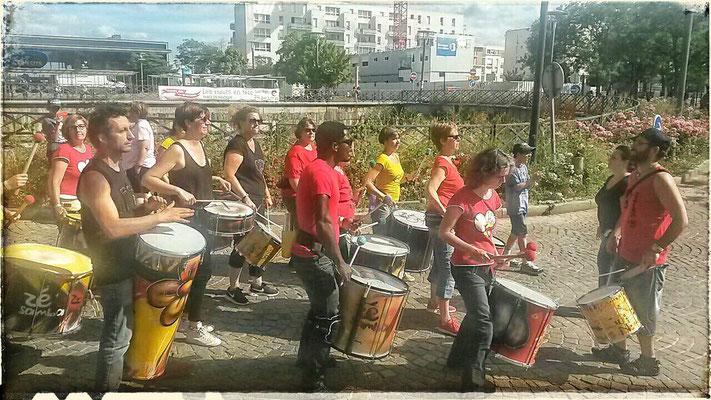 Batucada Zé Samba - Hauts de Cergy - Photo : Bar Gadoxe