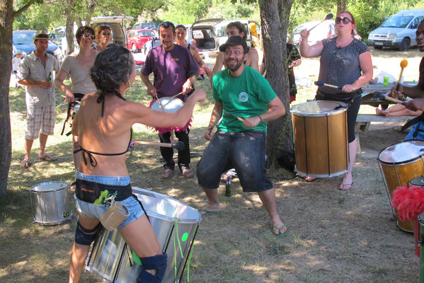Des tambours...