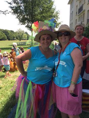 Karine (à gauche) notre guide !!!