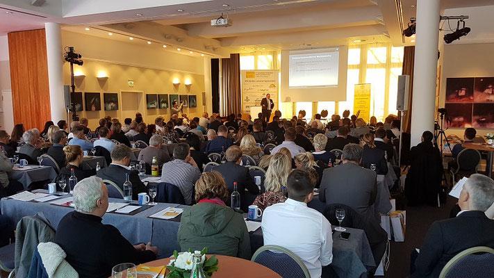 Vortrag Kai Schimmelfeder beim Fachkongress Solarien und Besonnung