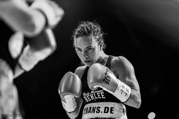 Titel-Boxkampf Sophie Alisch
