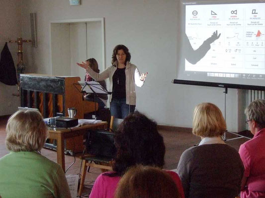 Ulrike Wahren kann die Teilnehmer begeistern.