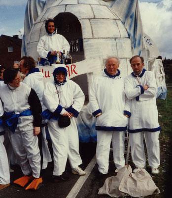 1990 -  Tanzschule:  'Lambada in der kalten Zone,  tanz man niemals oben ohne'