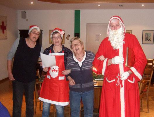 Die Engelchen singen, dass der Nikolaus eine Schlittenfahrt liebt ...