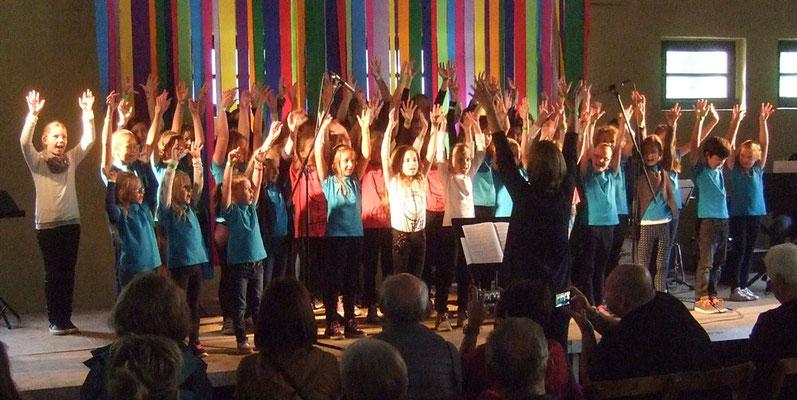 Gemeinsamer Auftritt vom Jungen Chor und Vorchor