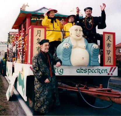1997  -  Im Land des Lächelns  'Immer nur lächeln trotz ...    1.000 Steuern'