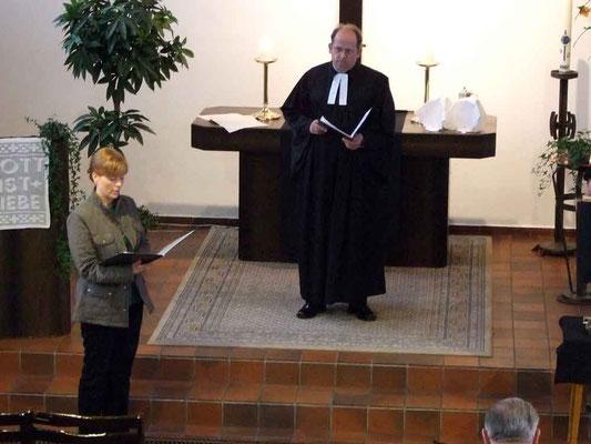 Sabine Roark und Pfarrer Thorsten Melchert (2007)