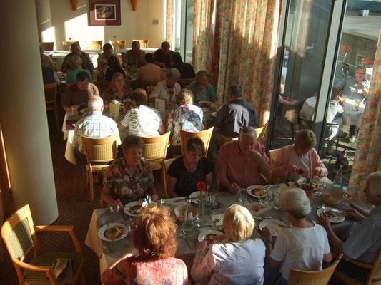 Gemeinsames Abendessen im Hotel