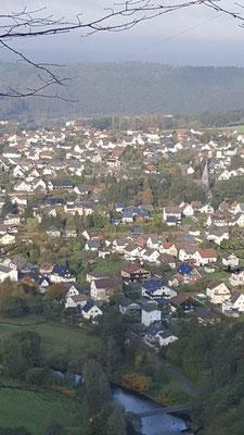 von verwunschenen Pfaden Blick auf Scheuerfeld