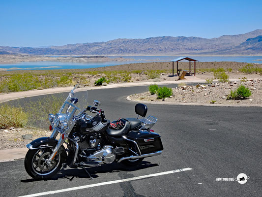 Entlang des Lake Mead zum Hoover Dam