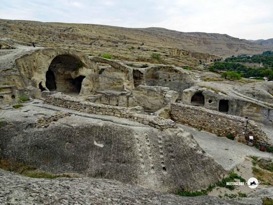 Die Höhlenstadt Uplisziche. Eine der ersten menschlichen Siedlungen der Welt