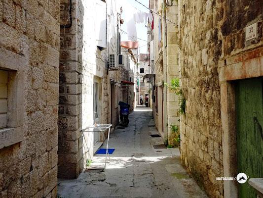 Unterwegs in den engen Gassen von Trogir