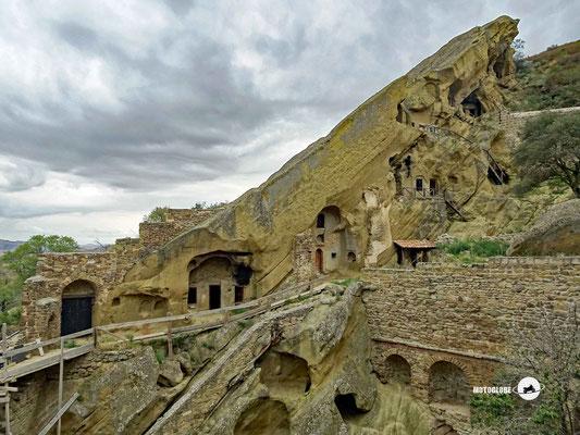 Früher wohnten die Mönche in Höhlenwohungen