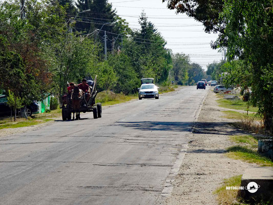 Pferdefuhrwerke sind im rumänischen Alltag ganz normal